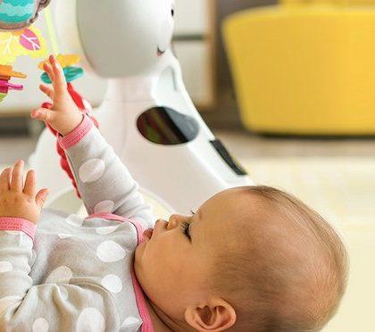 Zabawy z malutkim dzieckiem